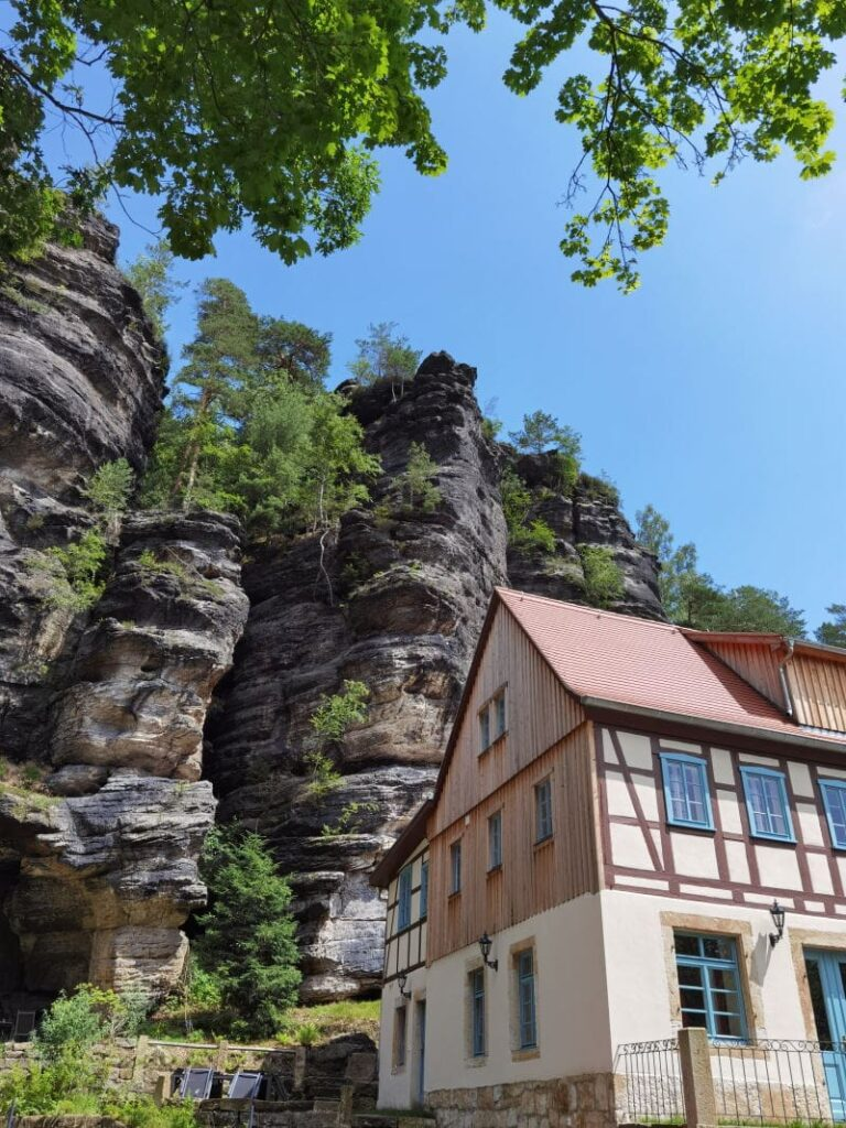 Die Schweizermühle im Bielatal - hier ist der offizielle Wanderparkplatz
