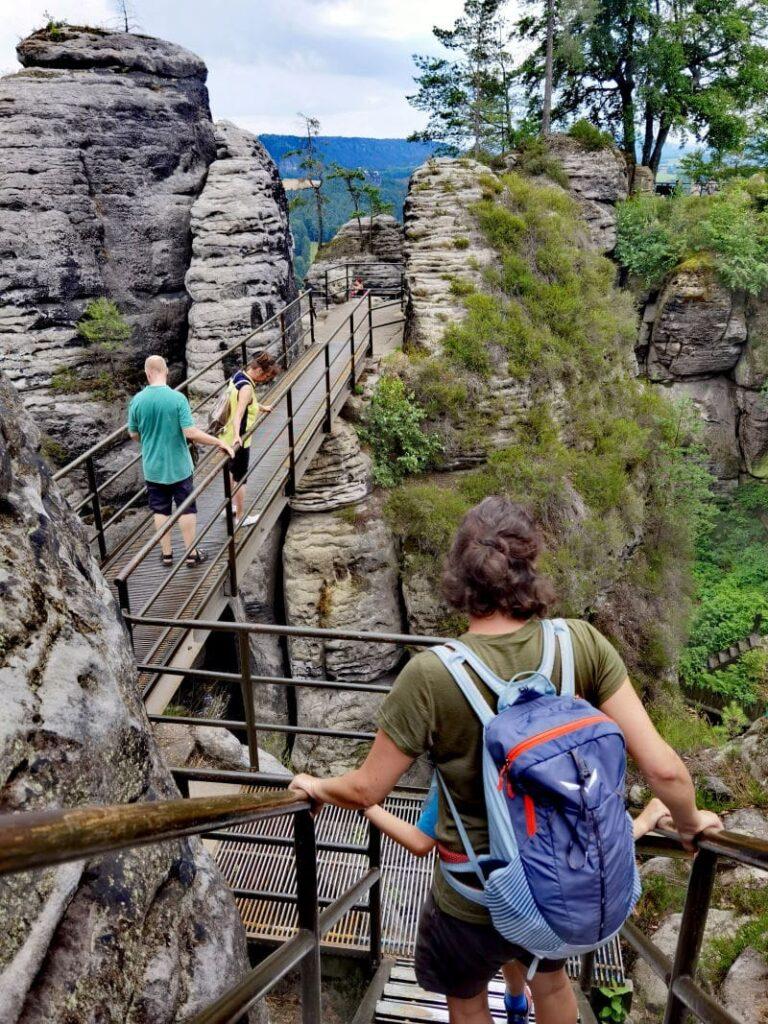 Auf der Felsenburg Neurathen wandern - mit den Brücken und Stegen