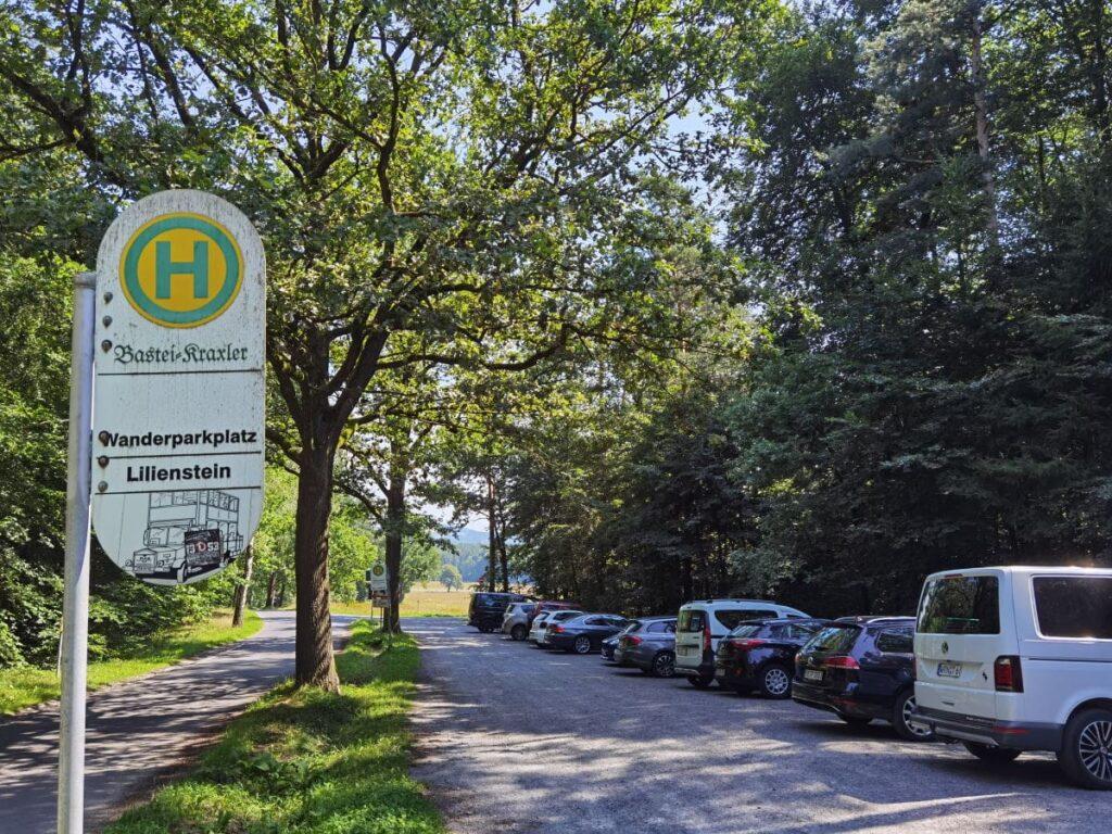 Das ist der Lilienstein Parkplatz direkt am Ausgangspunkt der Wanderung, samt Bushaltestelle