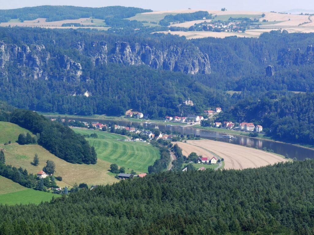 Ausblick vom Lilienstein auf die Schrammsteine